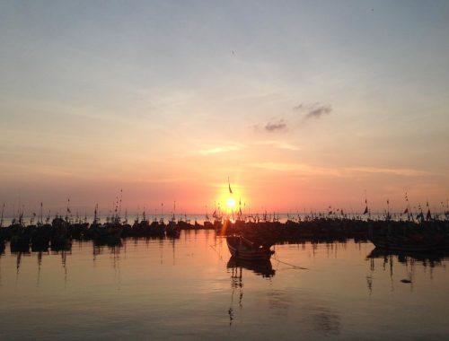 Pemandangan Pelabuhan Bi Nang Un di Lasem. Sekarang bernama Pantai Bonang